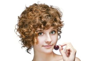 Curly-Short-Hairstyles-