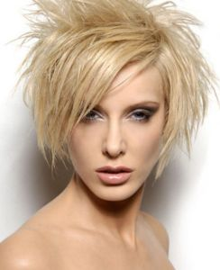 short-spiky-hairstyles-women-54caf62fdfd9a