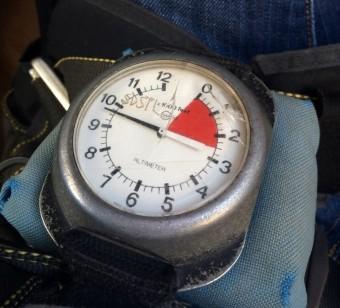 Altimeter (Medium)